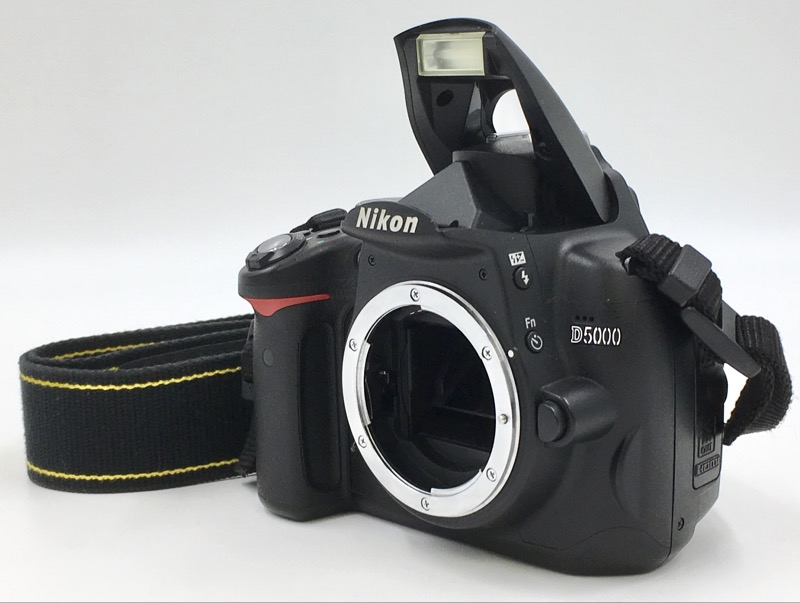 Nikon D5000 12.3 MP DX DSLR CAMERA BODY ONLY 22786 SHUTTER COUNT