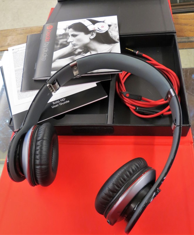 BEATS BY DRE SOLO HD AUDIO Headphones 810-00014, BLACK