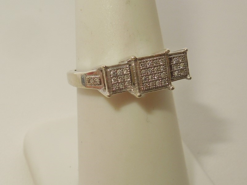 Lady's Diamond Fashion Ring 38 Diamonds .190 Carat T.W. 10K White Gold 2.6g
