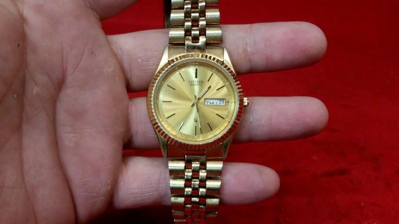 Citizen Model P6100 Quartz Day-date Watch Gold Toned