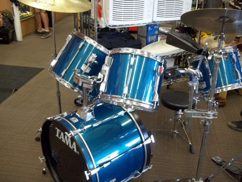TAMA Drum Set ROCKSTAR 4 PIECE