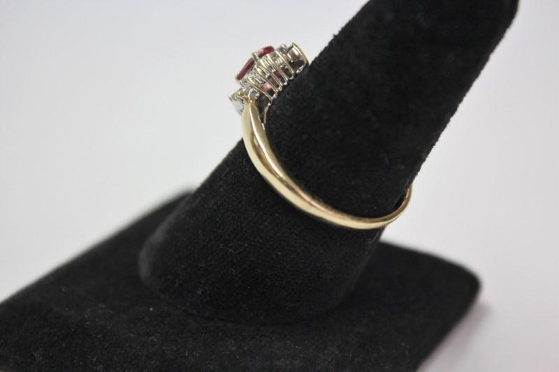 Pink Stone Lady's Stone & Diamond Ring 16 Diamonds .16 Carat T.W.