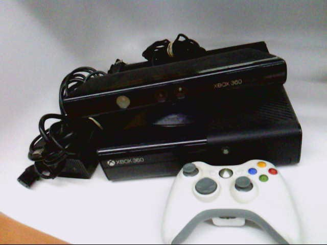 XBOX 360 320 GB SYSTEM + KINECT