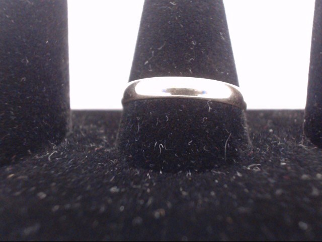 Lady's Gold Ring 14K Yellow Gold 2.2g Size:5