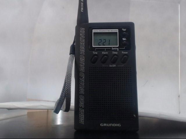 GRUNDIG 2 Way Radio/Walkie Talkie MINI 300