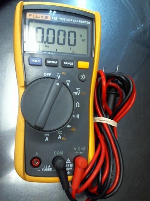 FLUKE Multimeter 115 TRUE RMS