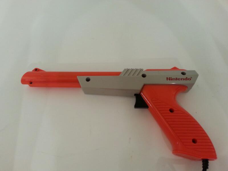Nintendo 1985 ZAPPER GUN]