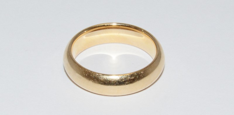 14K Men's Yellow Gold Wedding Band Size 10