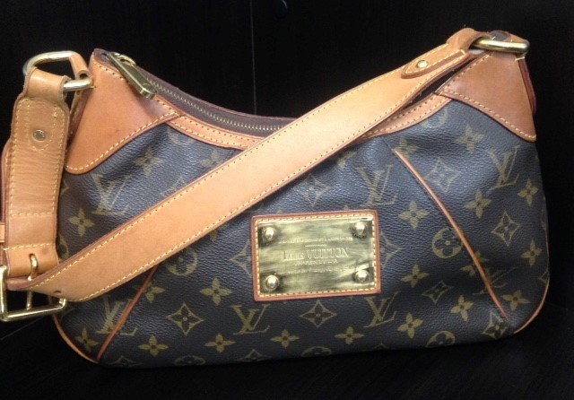 LOUIS VUITTON Handbag THAMES PM - MONOGRAM