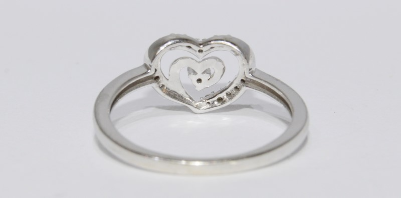 14K White Gold Adorable Double Heart Swirl Diamond Ring Size 7