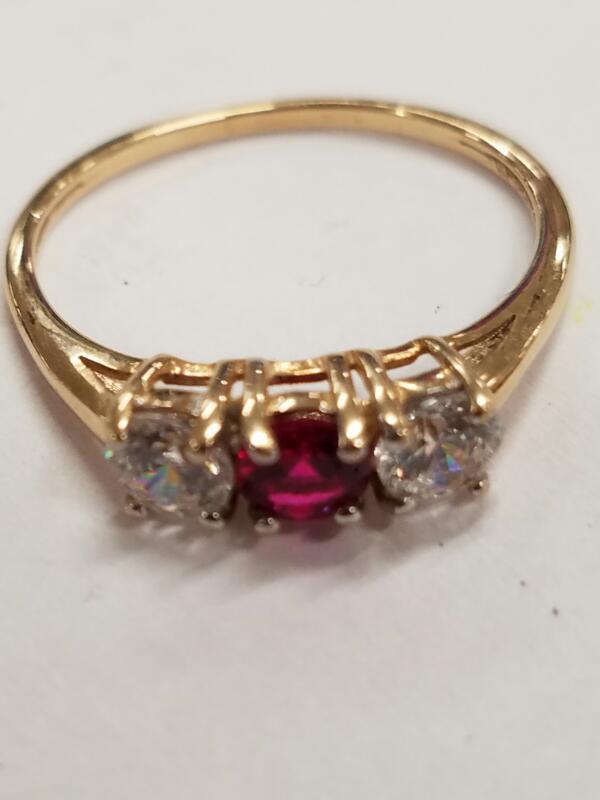 White Stone Lady's Stone Ring 10K Yellow Gold 1.2g