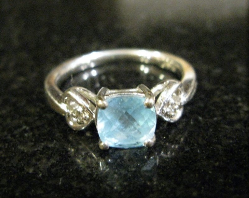 Blue Stone Lady's Silver & Stone Ring 925 Silver 2dwt Size:7