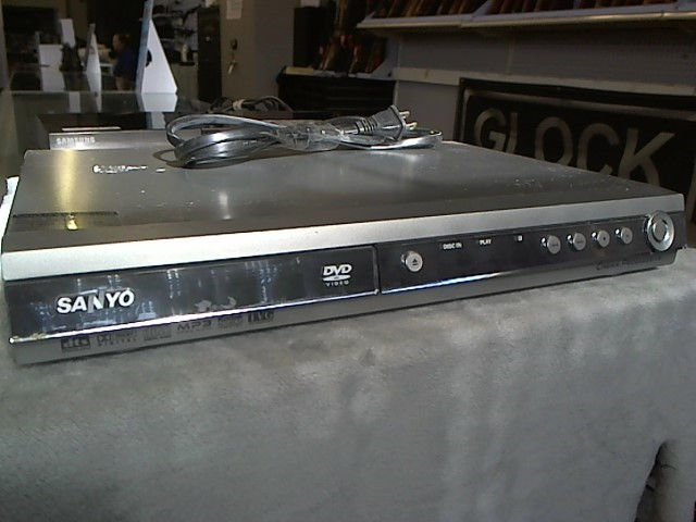 SANYO DVD Player DWM-400