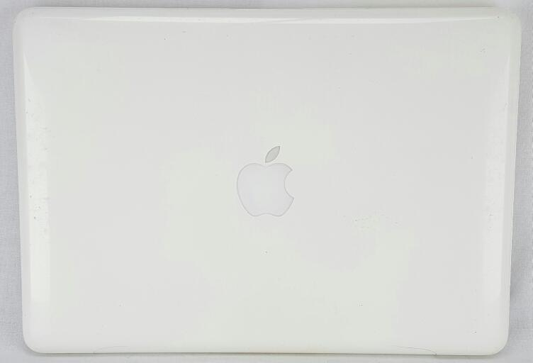 "2010 APPLE MACBOOK MC516LL/A 13"" 2.4GHz, 2GB OF RAM, 128GB SSD"