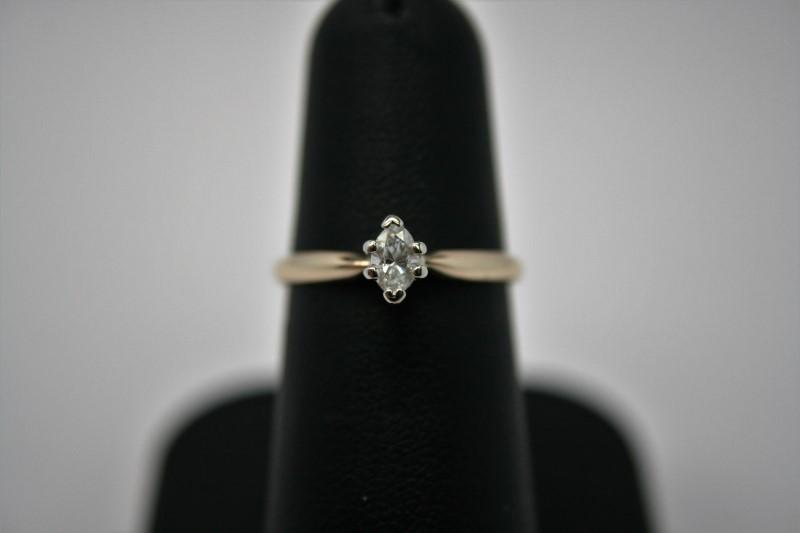 LADY'S MARQUISE CUT DIAMOND 14K YELLOW GOLD