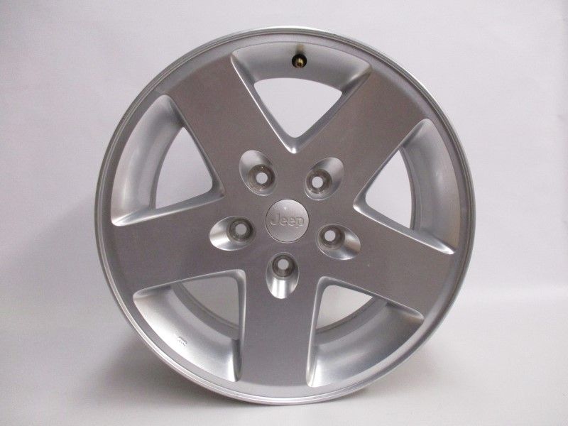 JEEP OE SILVER WHEEL 17X7.5 5-5(44.45)