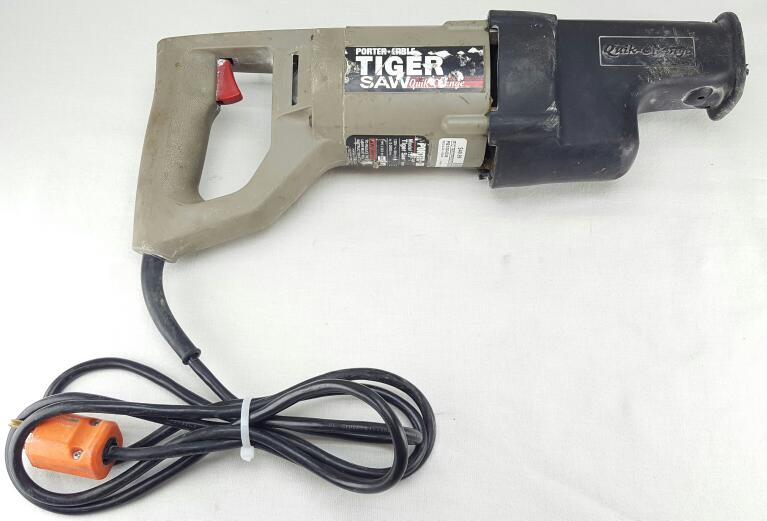 PORTER CABLE 735 RECIPROCATING SAW W/ CASE