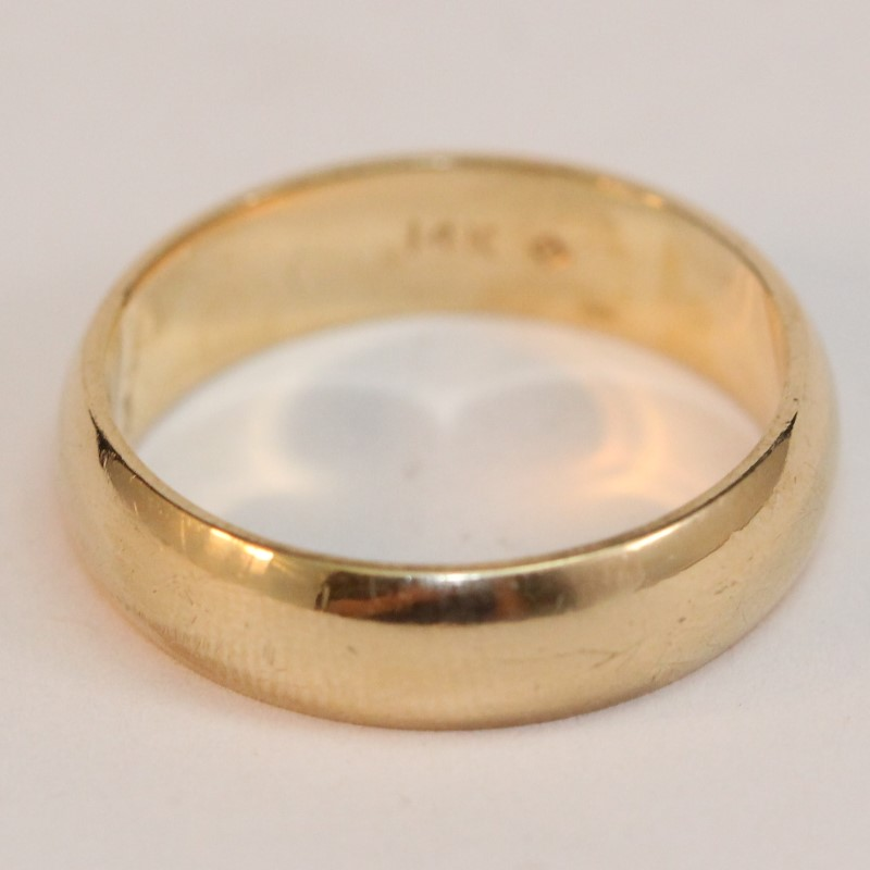 14K Yellow Gold Wedding Band Size 7