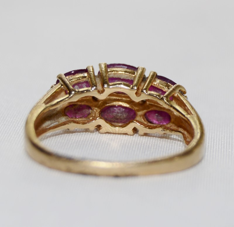14K Yellow Gold Oval Ruby & Diamond Split Shank Row Band Ring sz 6.5