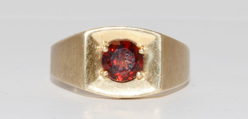 10k Men's Vintage Inspired Yellow Gold Garnet Ring Size 9.5
