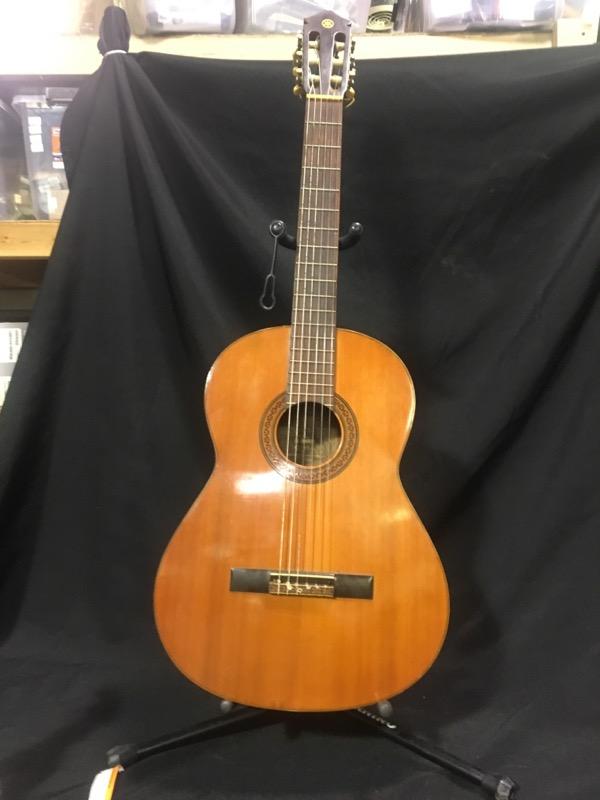 Yamaha Acoustic Guitar CG-100A CLASSICAL