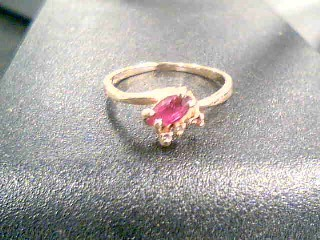 Red Stone Lady's Stone Ring 14K Yellow Gold 1.7g