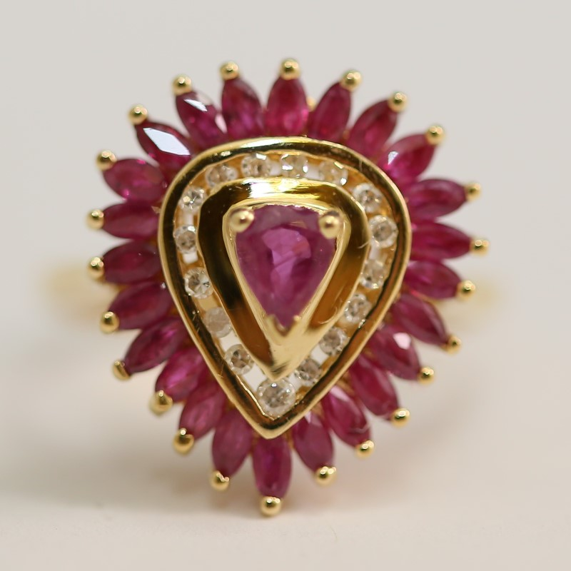14K Yellow Gold Pear Cut Ruby and Brilliant Diamond Ring Size 7