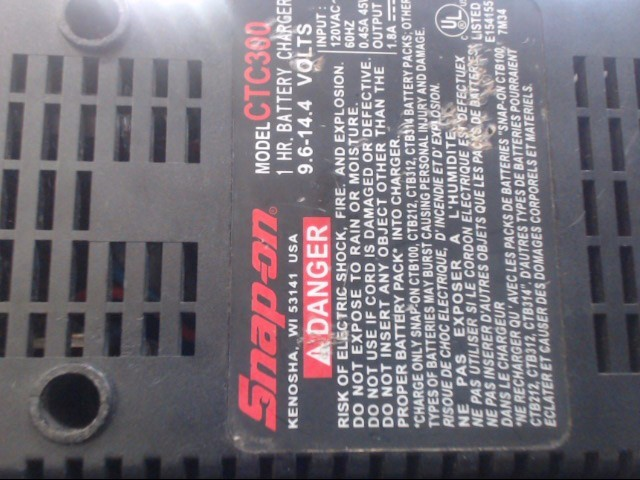 SNAP ON Battery/Charger CTC300