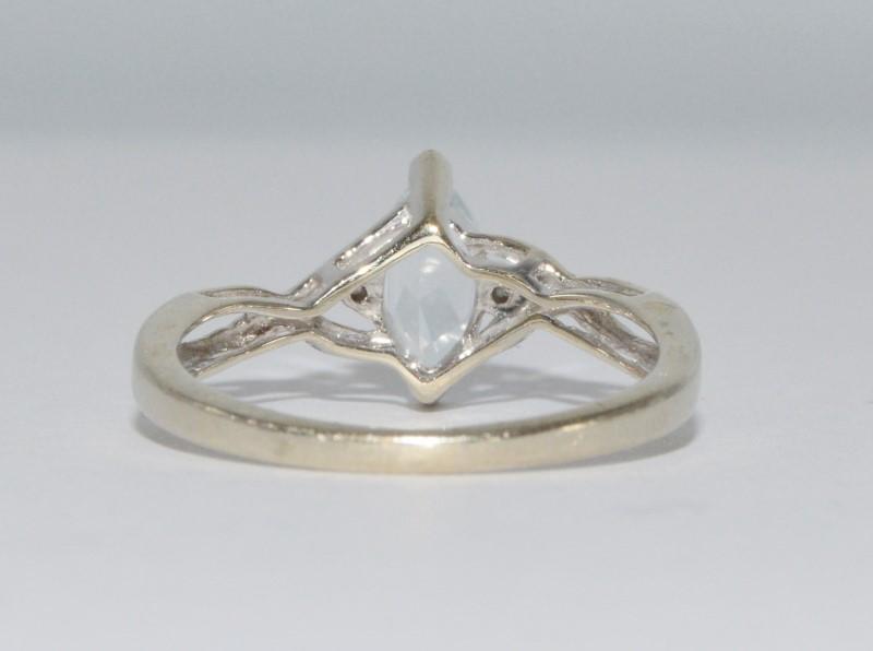 10K White Gold Marquise Aquamarine Twisted Band Ring Size 6