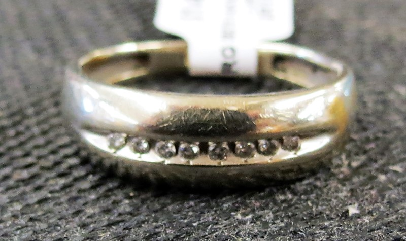 Gold-Diamond Wedding Band 8 Diamonds .08 Carat T.W. 14K White Gold-SIZE 9