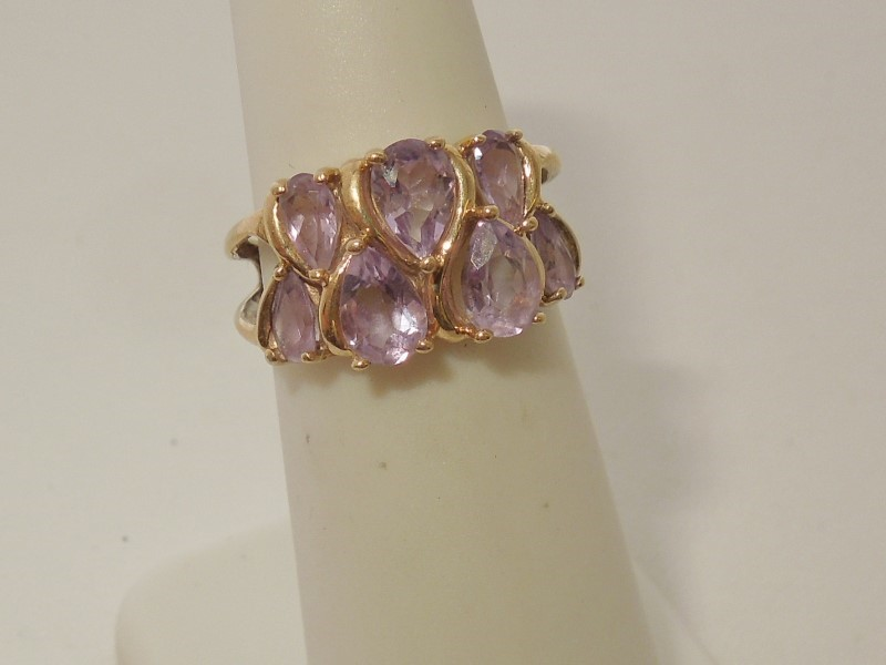 Synthetic Amethyst Lady's Stone Ring 10K Yellow Gold 3.2g