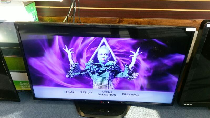 """LG Flat Panel Television model LG50LN5400 50"""" with Remote"""