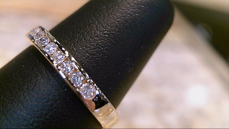 LADY'S 14K YELLOW GOLD APX. .26CT ROUND DIAMOND WED BAND