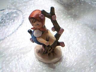 Hummel Figurine # 141 3/0 Apple Tree Girl Goebel W. Germany