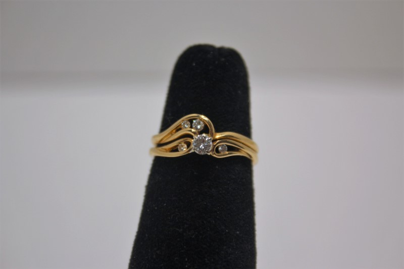 Lady's Diamond Wedding Set 5 Diamonds .18 Carat T.W. 14K Yellow Gold 3.8g