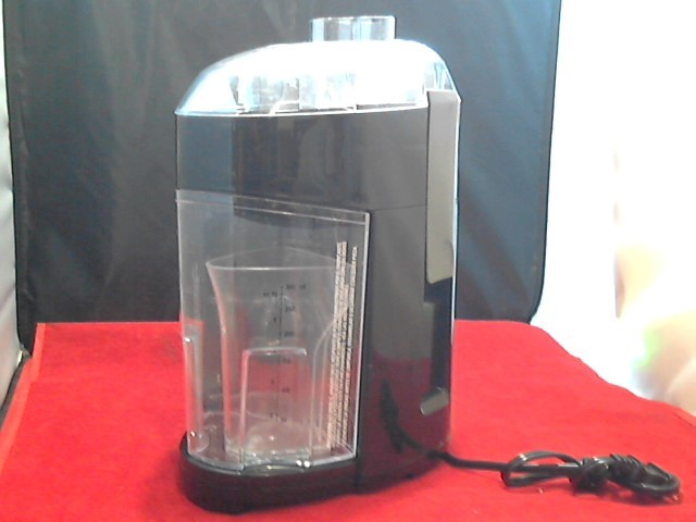 BLACK&DECKER Juicer JE2200 FRUIT & VEGETABLE EXTRACTOR