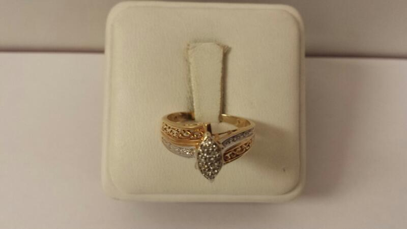 10k Yellow Gold Filigree Ring with 19 Diamond Chips - 2.2dwt - Size 7.5