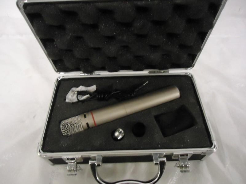 AKG Microphone C1000S