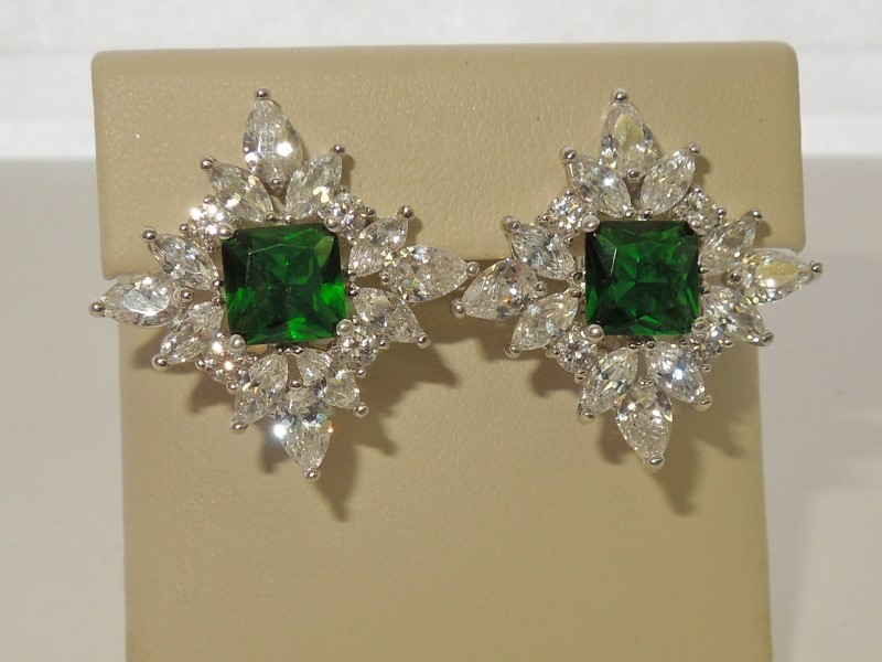 Synthetic Emerald Silver-Stone Earrings 925 Silver 10.5g