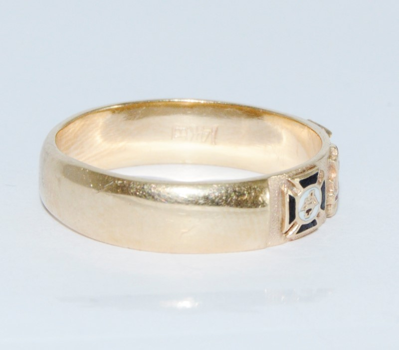 Men's 14K Yellow Gold Masonic Ring Band Size 11.5