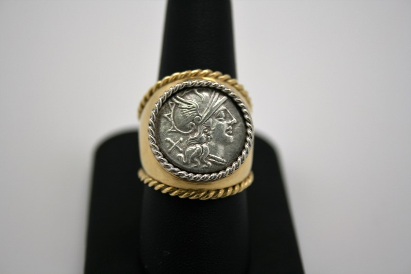 GENT'S RING W/ ROMAN SILVER COIN 18K YELLOW GOLD