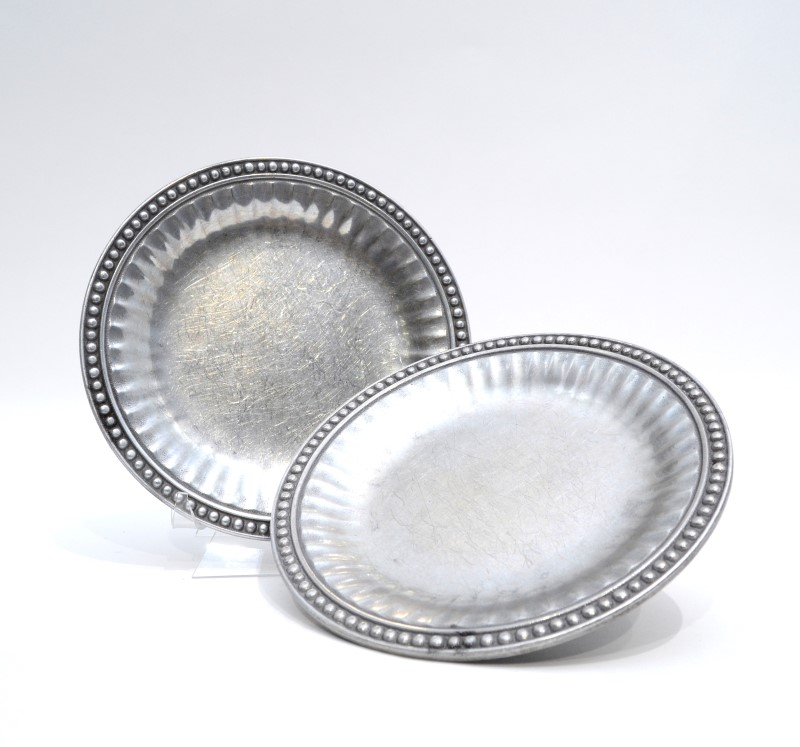 "Wilton Armetale Flutes and Pearls Set of (2) 8-3/4"" Plates #"