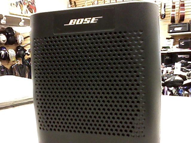BOSE SOUNDLINK SPEAKER MODEL: 415859