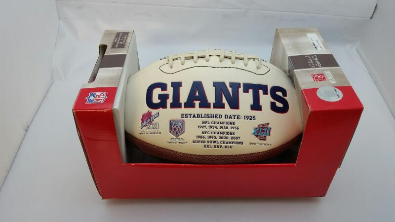 NFL FULL SIZED FOOTBALL NEW YORK GIANTS SIGNED/AUTOGRAPHED SAM HUFF
