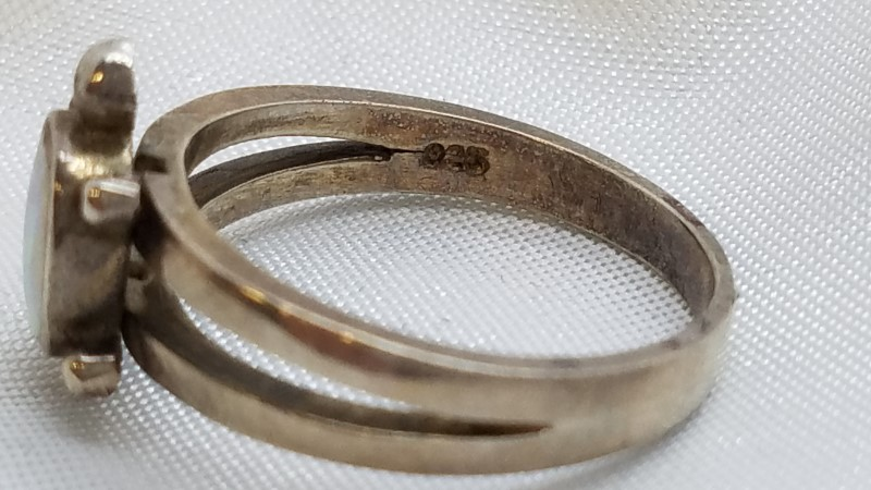 Lady's Silver Ring 925 Silver 3.6g