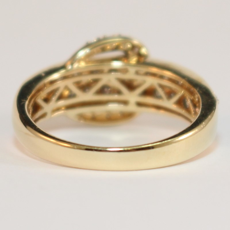 Levian 14K Gold Chocolate & Vanilla Diamond Buckle Ring Size 6.5 Fall