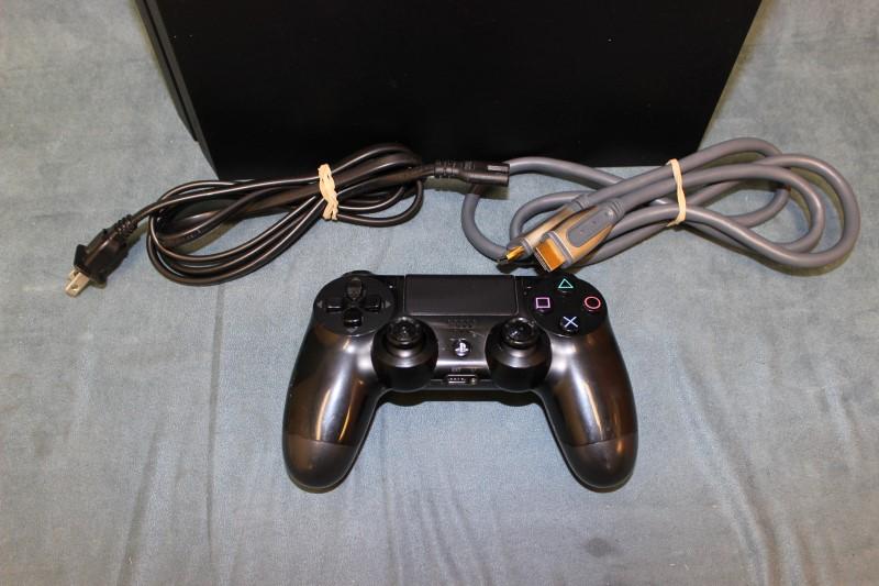 Sony PlayStation 4 500GB - Model # CUH-1001A