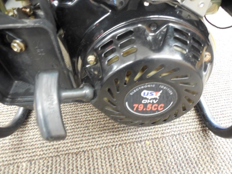 UST GG1350 1350 WATT GAS POWERED PORTABLE GENERATOR