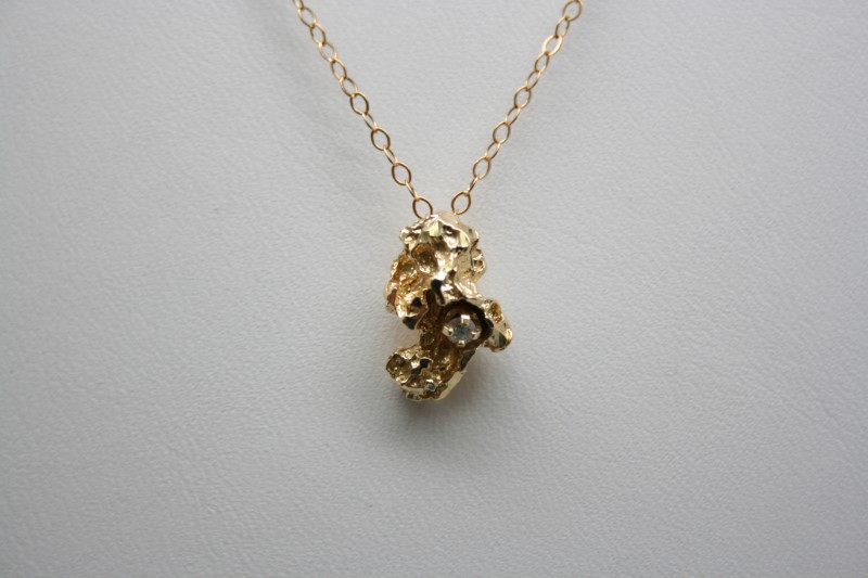 NUGGET STYLE PENDANT W/ DIAMOND 14K YELLOW GOLD