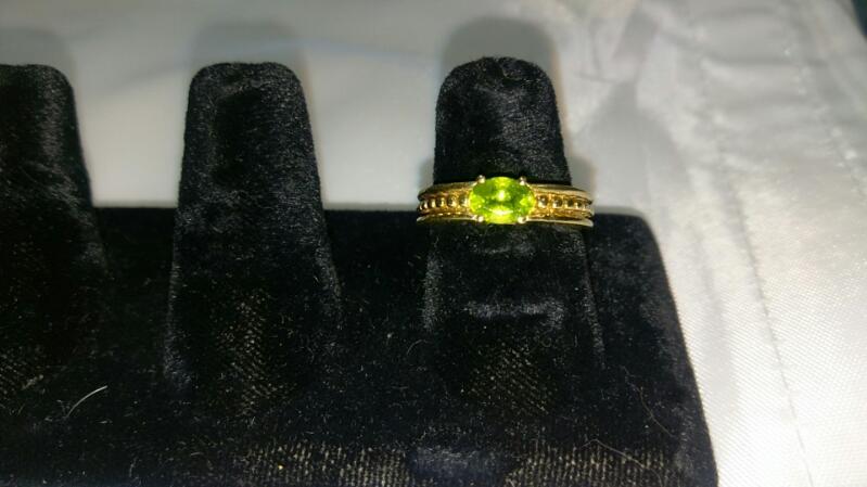 Synthetic Peridot Lady's Ring 14K Yellow Gold 5.5g Size 7